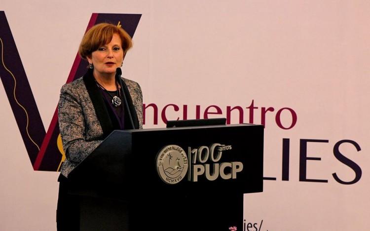 """La decana de la Facultad de Ciencias Aplicadas a la Industria participó del """"V Encuentro Emulies"""""""