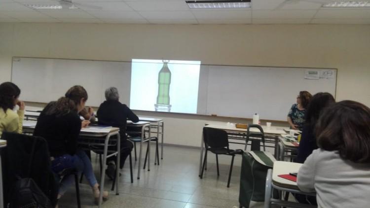 """Se realizó el curso """"Control de envases en la FCAI"""""""
