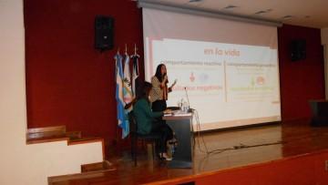 Presentaron el libro \Claves para el Éxito Universitario\ en la FCAI