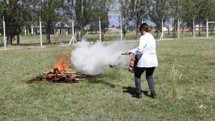 Capacitación en uso de extintores y riesgo de incendio