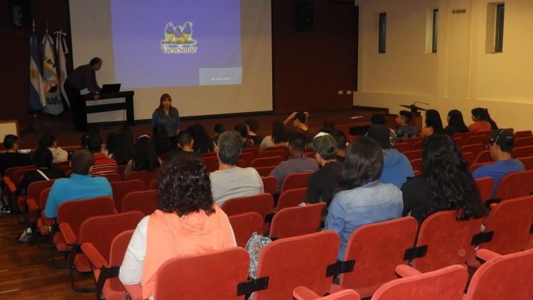 Continúan las visitas de establecimientos educativos en la FCAI