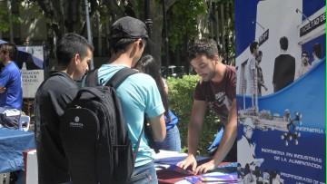 Oferta Educativa en la Plaza San Martín