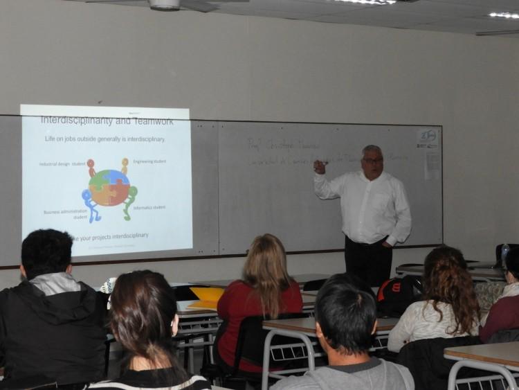 Se realizó una charla sobre aprendizaje y motivación en la FCAI