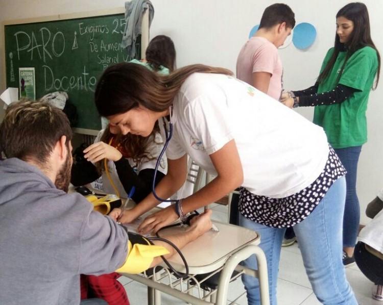 """Programa """"Ponete en Movimiento"""" en la FCAI"""