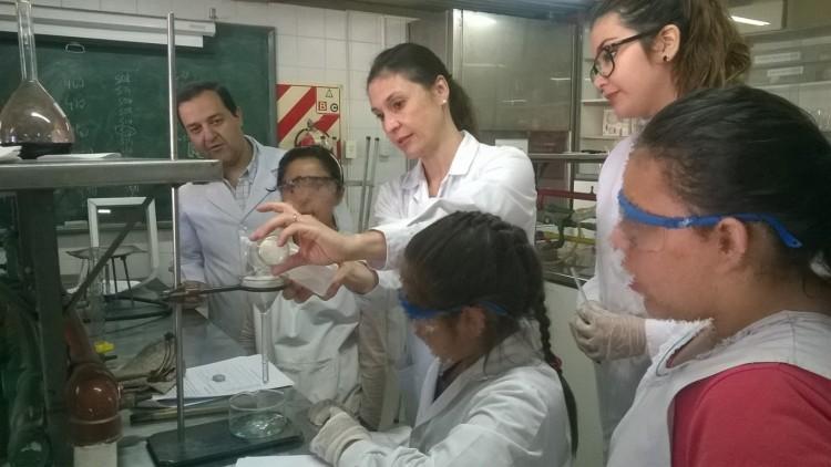 La Ciencia como Puente: Nos visitaron alumnos de la Escuela Emilio Civit