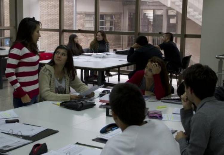 Convocatoria de estudiantes tutores para ingreso intensivo